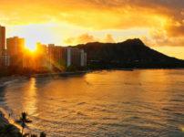 ハワイの美しい初日の出の様子